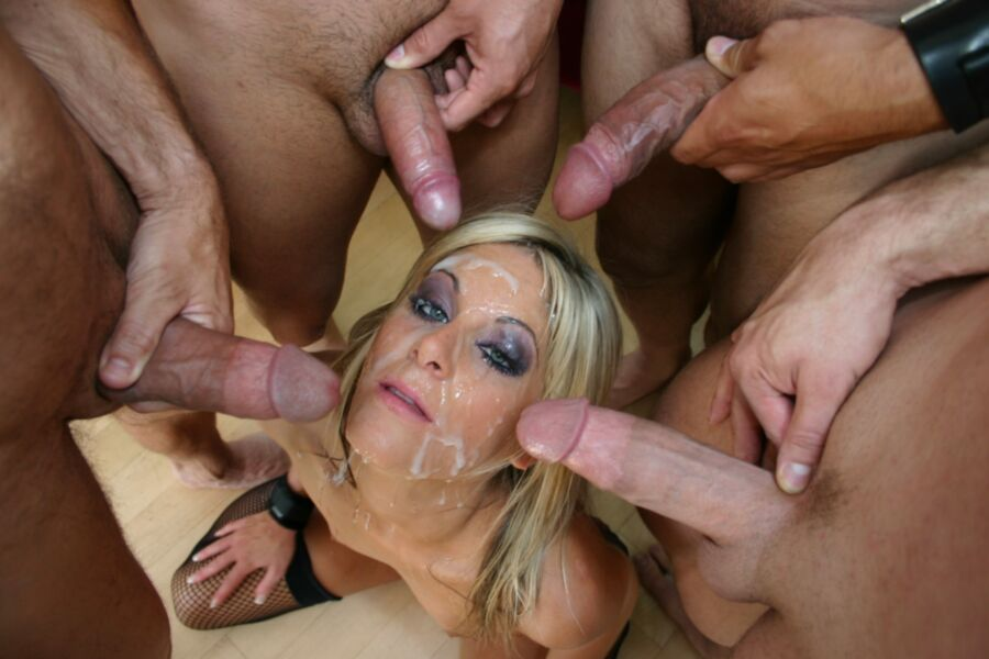 Vicenta recommends Xxx free black pissing photos