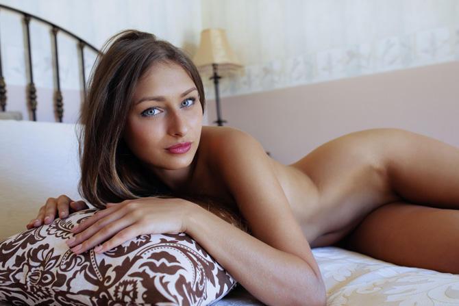 Steiniger recommends Threesome suck video