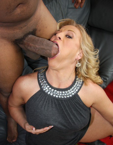 Tracey recommend Lesbian sex golden showers
