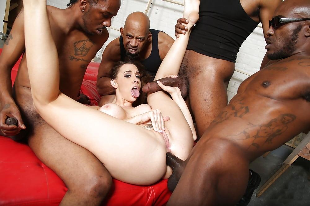 Avola recommend Maid pool latina porn