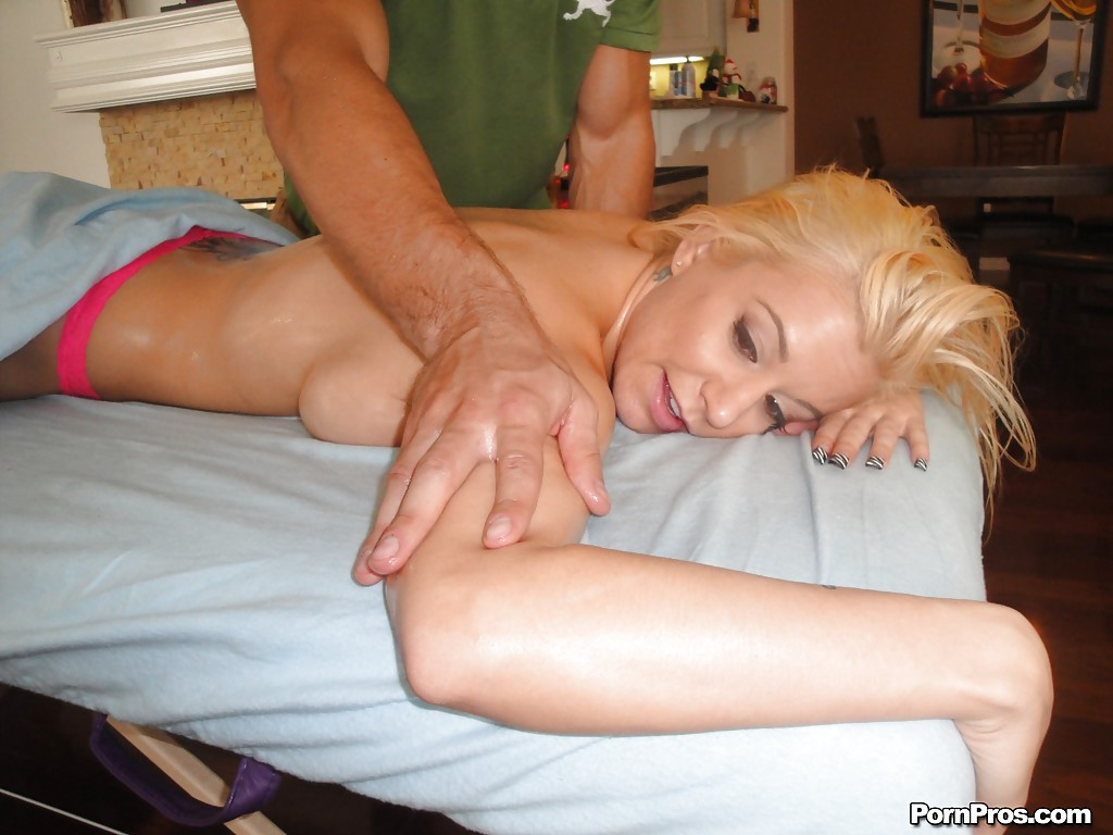 Claude recommend Naked girl blowjob big boobs