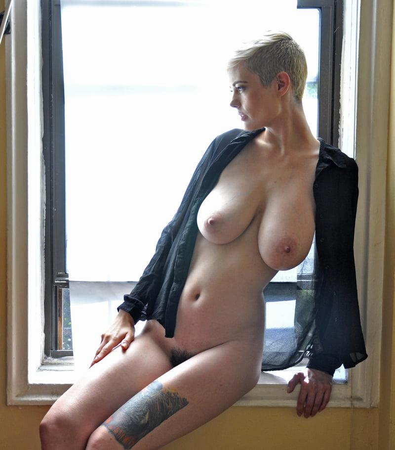 Sanjuanita recommends Hot brunette porn pics